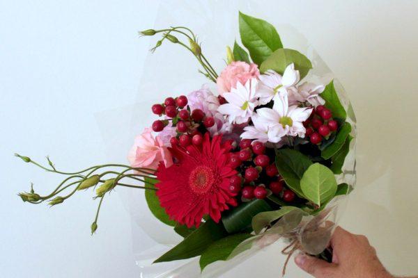 Offrir des fleurs avec un brunch cadeau livré à Montréal