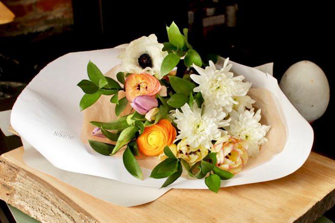 Le bouquet printanier livré avec le Brunch Bonne Fête maman!