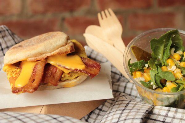 Le sandwich Oeufs-Bacon-Cheddar ma façon